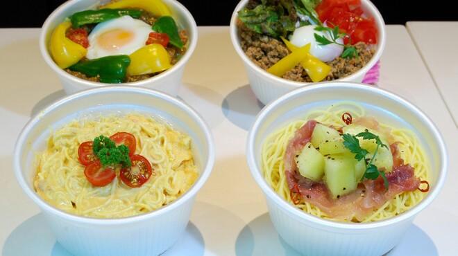 フォーシーズンズカフェ - 料理写真:テイクアウト作り立てフルーツサンドイッチ&お食事