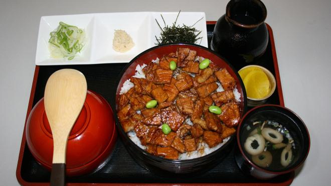 豚丼のはなとかち - メイン写真: