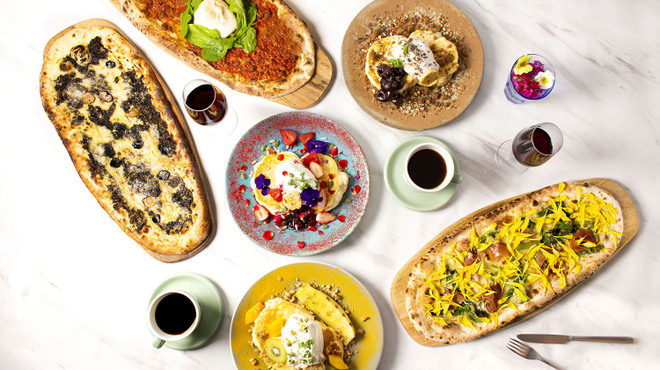 ALL DAY CAFE & DINING The Blue Bell - メイン写真: