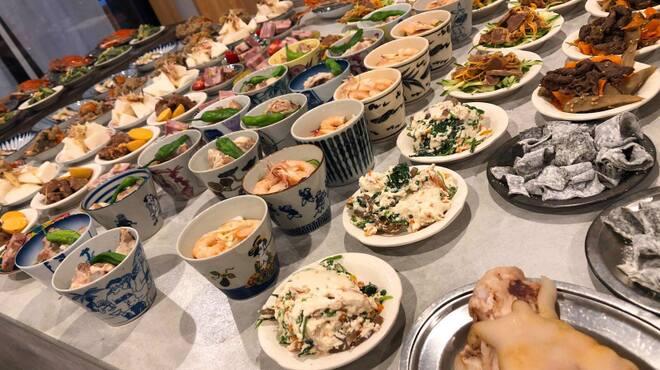 ○七商店 - 料理写真:宴会小皿料理。そばちょこ、豆皿。器は波佐見焼など