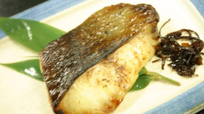 おいしい魚を食べさせる店 魚可津 - 料理写真:銀だらの西京焼