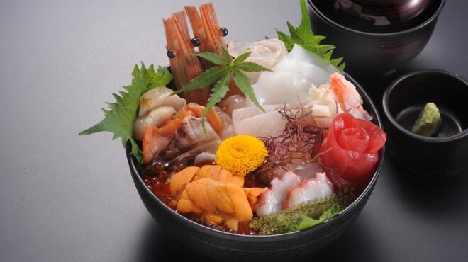活魚料理 魚どころ大善 - メイン写真: