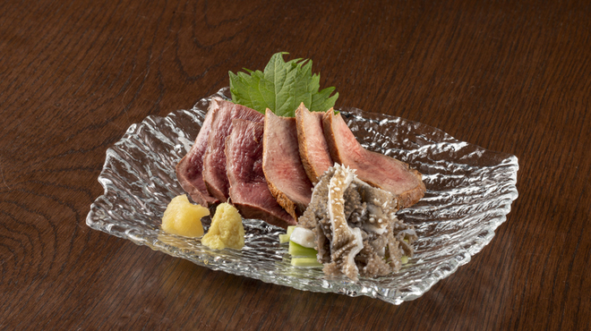 牛たん酒場 たん之助 - 料理写真:新鮮肉刺し
