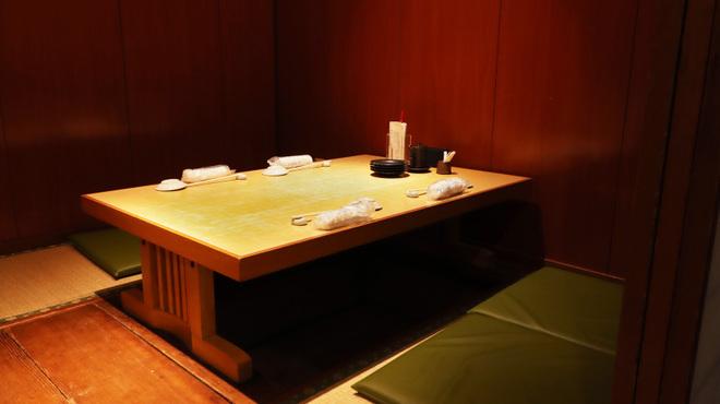 意気な寿し処阿部 - 内観写真:座敷(2卓)