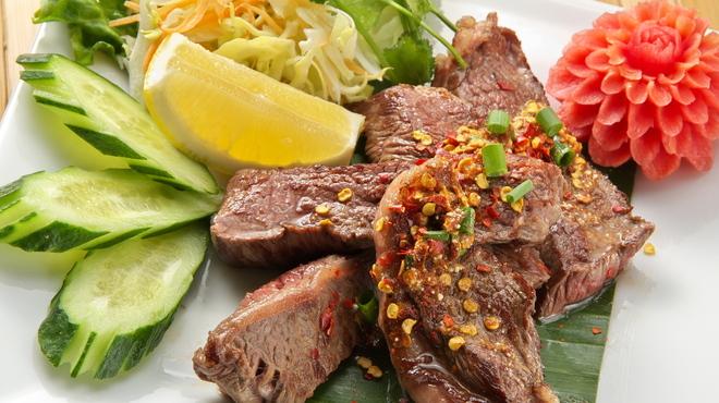 タイガーデン - 料理写真:13.ヌァヤーン(牛肉のグリル イーサンソースかけ)