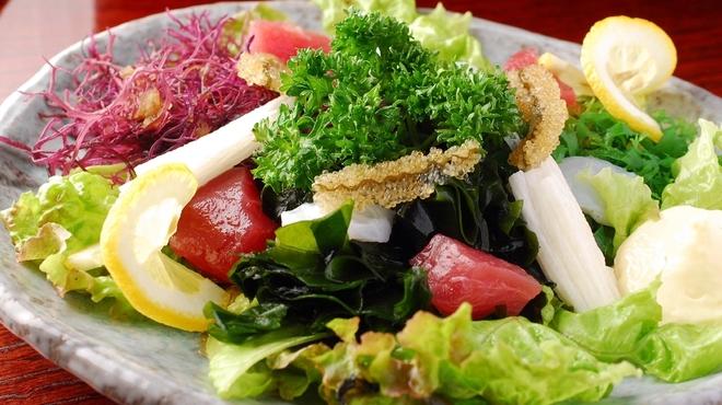 地雷也 - 料理写真:海鮮サラダ
