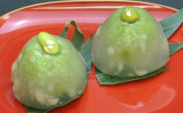 松竹堂 - 料理写真:ずんだ大福:ずんだ餡を葛で包みました。