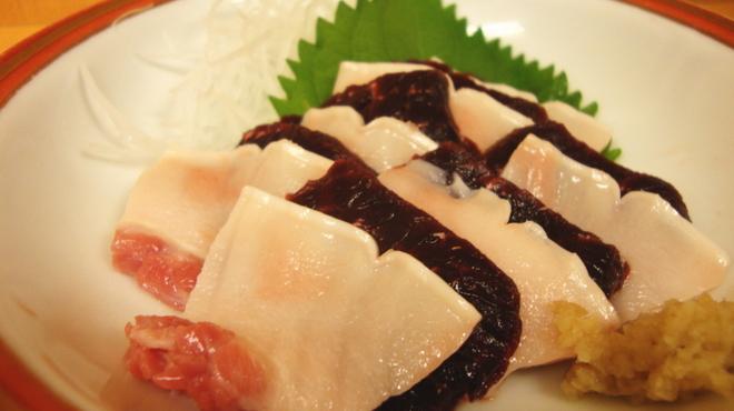 海つばめ - 料理写真:【ミンククジラ】本皮と赤身を一緒に食べるのが太地流(2,000円)