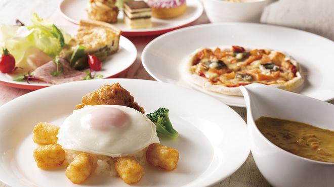 CORAL TABLE - 料理写真:フライドチキンプレート