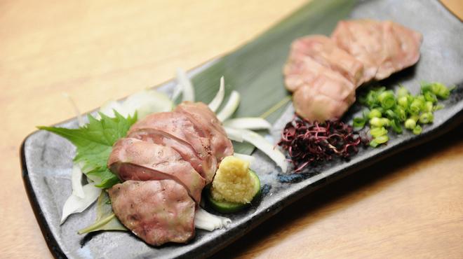一歩 - 料理写真:鶏の新鮮レバ刺し