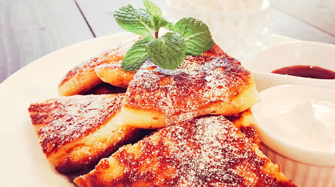 cafe maru - 料理写真:人気No.1のmaruのパンケーキ(クレミアアイストッピング)
