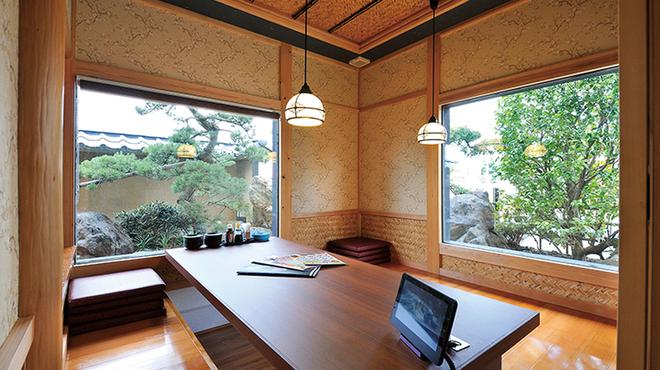 海山亭いっちょう - 内観写真:掘りごたつ式、お座敷の個室