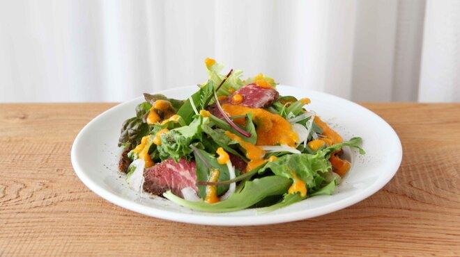 和カフェ yusoshi chano-ma - 料理写真:ローストビーフのサラダ