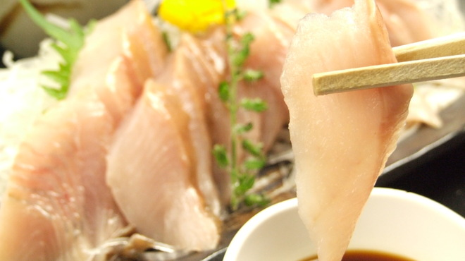 居酒屋 一ノ蔵 - 料理写真:北海道噴火湾産のホッケ刺身