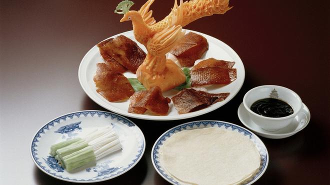 横浜中華街 北京飯店 - 料理写真:北京ダック~4枚から