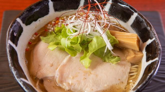 麺房 昭和呈 - 料理写真:あご醤油ラーメン