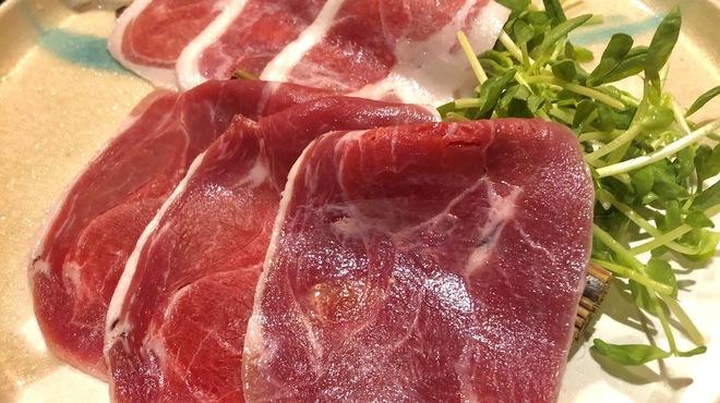 Shangrila's secret銀座店 - 料理写真:国内産天然イノシシ肉