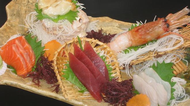 焼酎房 うお座 - 料理写真:おまかせ五点盛(特大ボタン海老付)