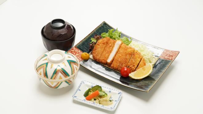 きくすい - 料理写真:地養豚カツ定食