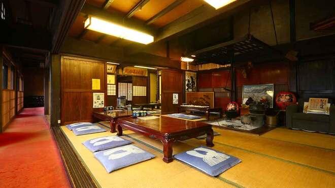 大久保西の茶屋 戸隠本店 - 内観写真:全席がお座敷の店内でゆっくりと食事が楽しめます。