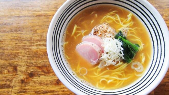 麺屋すみす - 料理写真:醤油らーめん \700