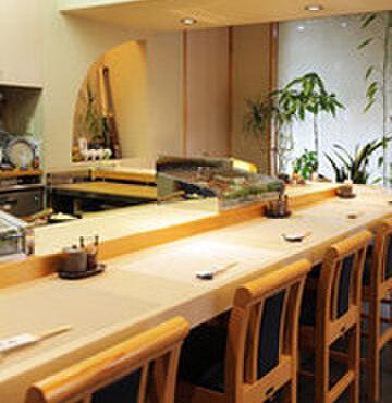 笹鮨 - 内観写真:お寿司を頂くならカウンター席がオススメ!