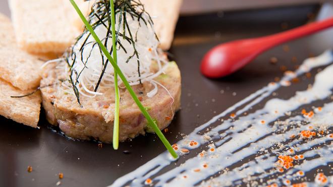 赤おに家 - 料理写真:ねぎとろとアボガドの胡麻タルタル