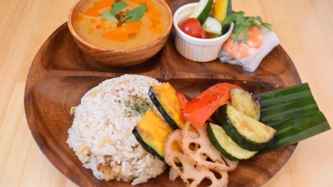 Thai Food&Bar NANA - メイン写真: