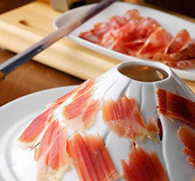 Taverna GUSTAVINO - 料理写真:都内で当店でしか味わえないチンタセネーゼ豚の3年熟成生ハム