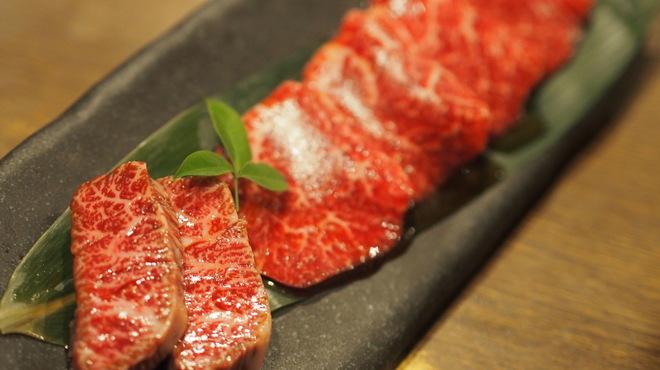 日本橋イタダキ - 料理写真:神戸牛ロースと極上赤身希少部位