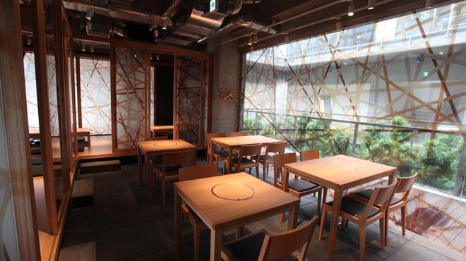 もつ鍋 慶州 - 内観写真:店内3