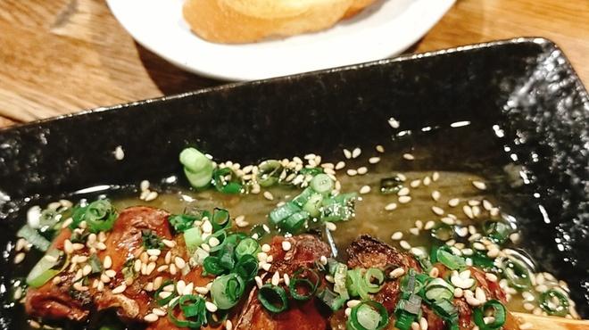 串焼き勧進帳 - 料理写真:塩ゴマレバー!余ったソースをバケットでどうぞ。