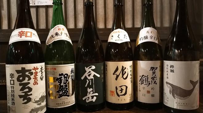 串焼き勧進帳 - ドリンク写真:全国の美味しい日本酒。随時6種類ほどあります!!