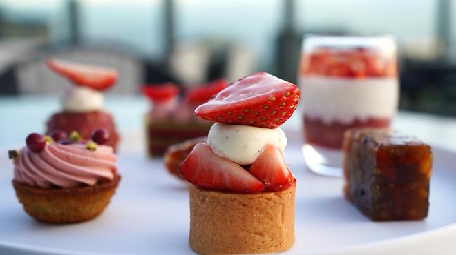 THE LOUNGE - 料理写真:Strawberry ATT