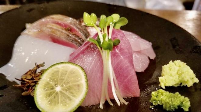 神田ゴタル - 料理写真:九州醤油と柚子胡椒で是非お召し上がり下さい