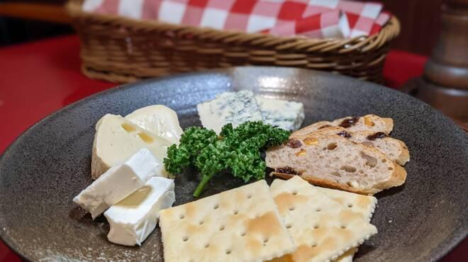 二葉會館 サンセール - 料理写真:◆ナチュラルチーズ3種盛り合わせ◆