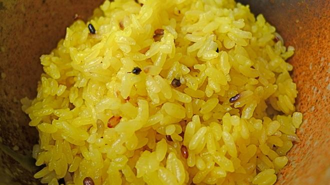 イエロー - 料理写真:ライスは15穀米です。