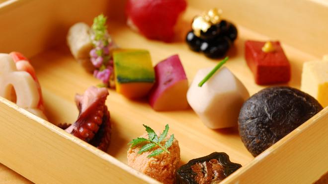 季節料理 汐彩 - 料理写真:季節の八寸盛り