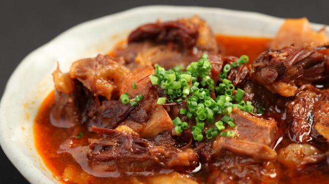 もつ鍋 慶州 - 料理写真:和牛すじ煮込み550円