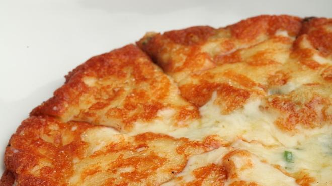 もつ鍋 慶州 - 料理写真:チーズチヂミ750円