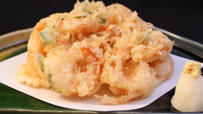 ひがしやま - 料理写真:海老と青菜のかき揚げ さくっフワっ、で海老はプリプリ