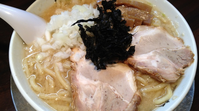 らーめん 潤 - 料理写真:新潟の背油中華そば 800円