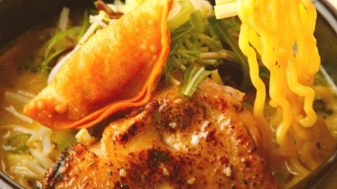 橙~オレンジ - 料理写真:カリーらぁめん ¥850 人気1位メニュー!