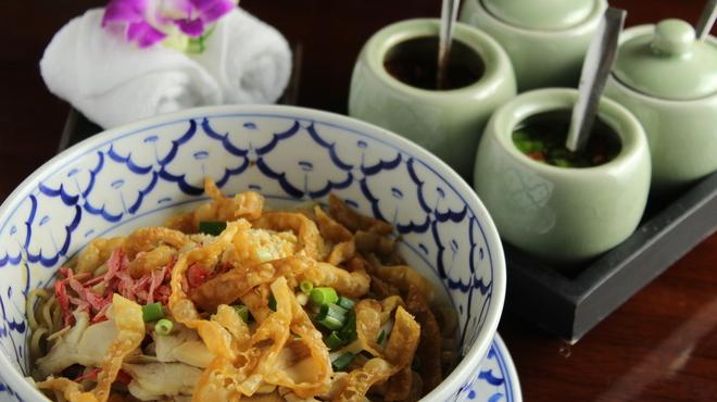 ライカノ - 料理写真:汁なし麺&調味料