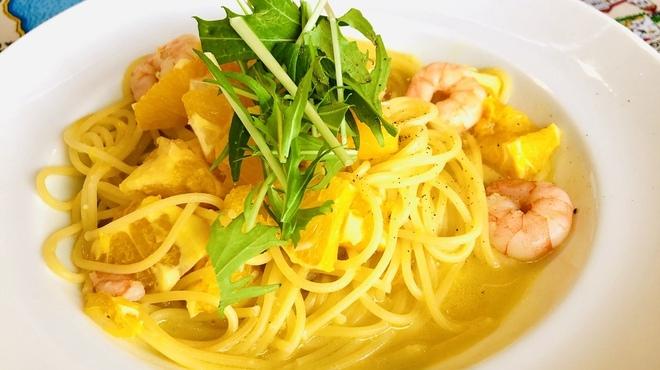 ラ・トランピスタ - 料理写真:オレンジパスタ