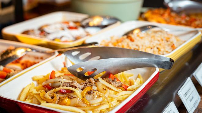 ビュッフェレストランAOW - 料理写真:【ランチ】約70種のメニューをビュッフェスタイルでお楽しみください
