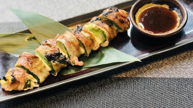 ROBATA 二代目 心 - 料理写真:レタスとモッツァレラの豚巻き