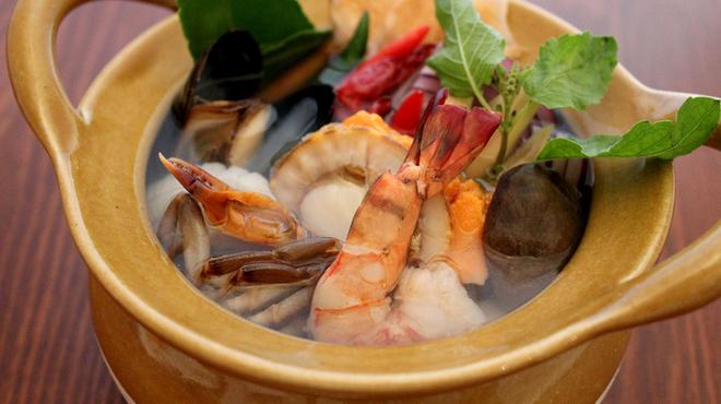 ブルーパパイアタイランド - 料理写真:ポー テック = 海鮮サワースープ