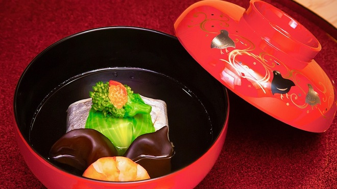 料理屋 真砂茶寮 - 料理写真:【太刀魚真蒸】すり身に太刀魚で巻いて蒸上げる