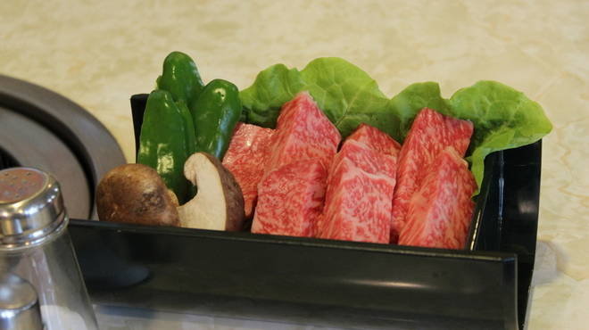 焼肉ハウスさんちく - 料理写真:和牛サーロイン塩焼